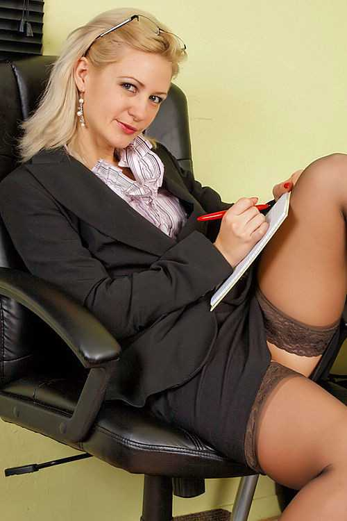 Jolie blonde très coquine